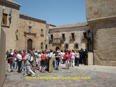 Cáceres – Visita guiada: Praça de Santa Maria