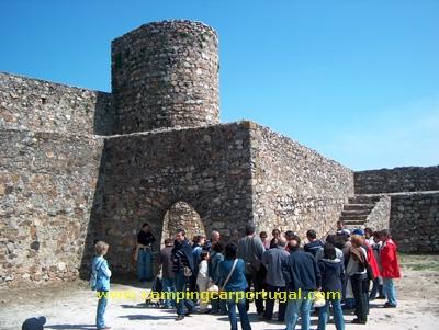 Mais uma pausa para informação histórica sobre o castelo