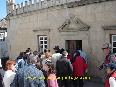 Visita à Câmara Velha, antigo edifício dos Paços do Concelho, desde a sua construção, no reinado de D.Manuel (séc.XV/XVI), até 1956