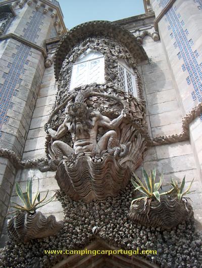O expoente máximo da arquitectura romântica portuguesa, o Palácio da Pena foi edificado em 1840 por D.Fernando, sobre as ruínas de um antigo convento.