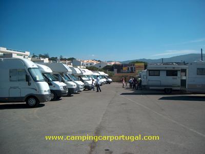A Praia das Maçãs foi local para estacionamento e almoço